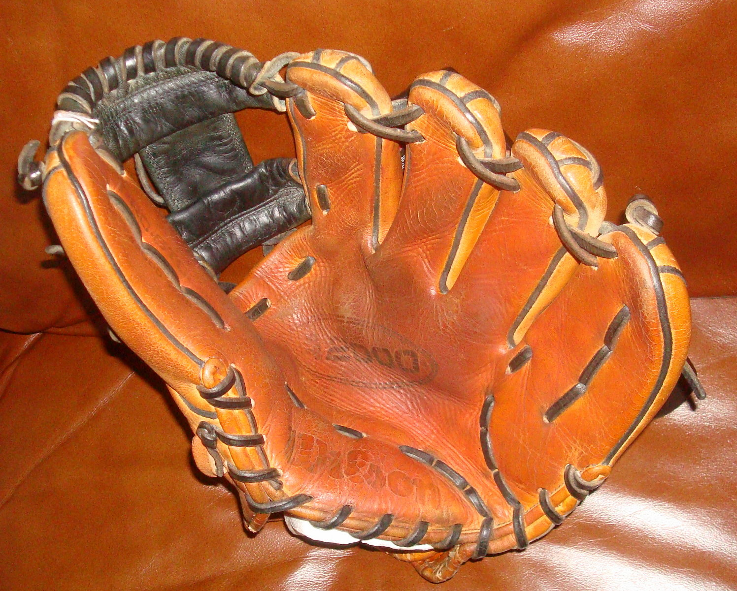 Vintage Baseball Gloves Old New And Used Mitts Bats