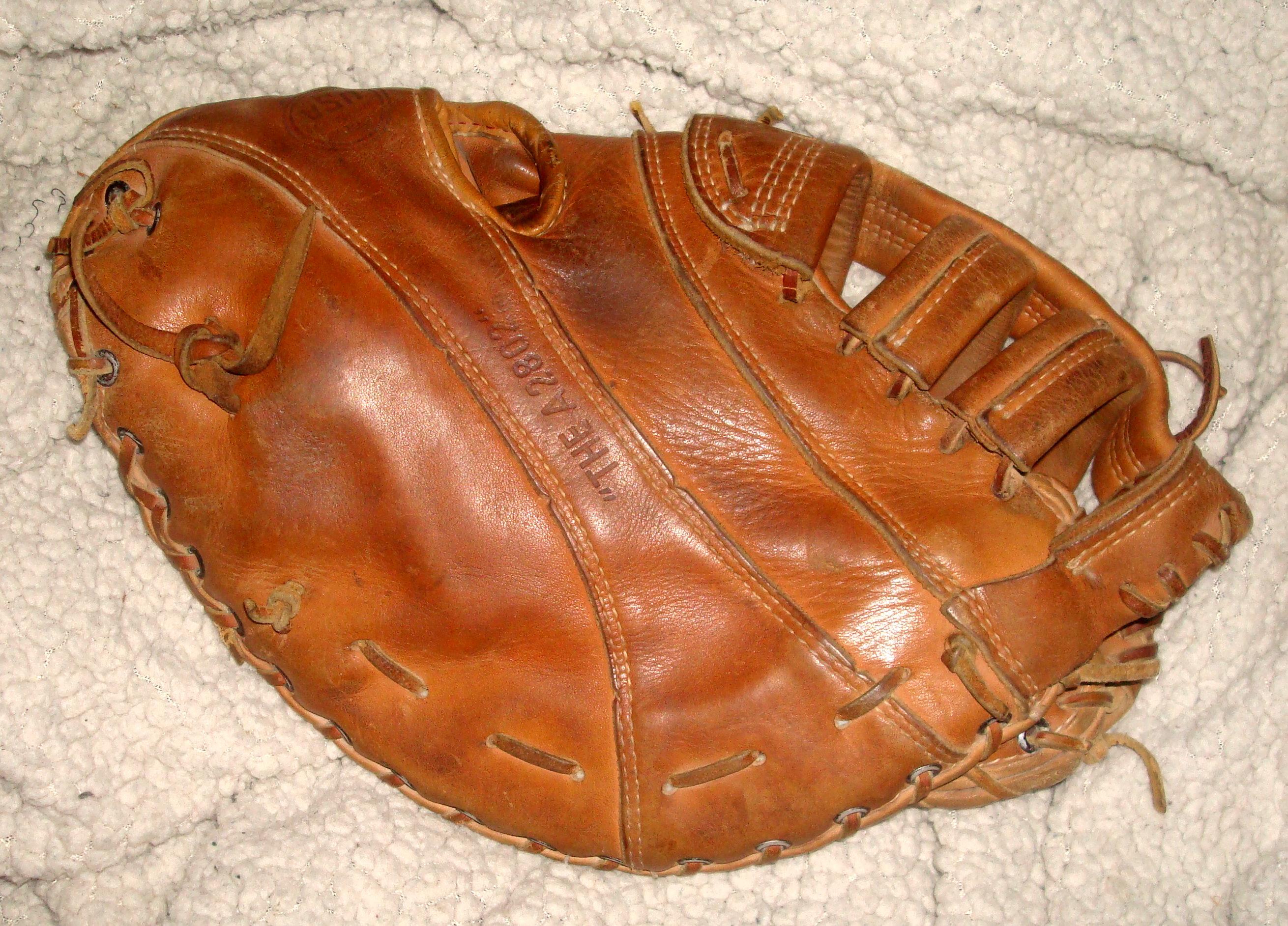 Vintage baseball gloves price guide