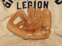 1940s Nokona G30 Rudy York Tribute/Reissue glove